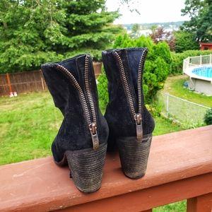 VINCE CAMUTO Black Suede Booties Heels Sz 8.5